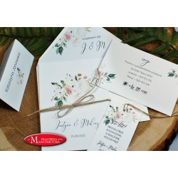 Zaproszenia ślubne z jasnymi kwiatami