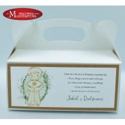 rustykalne pudełko na ciasto z chłopcem