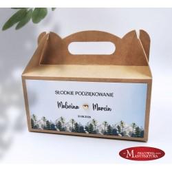 rustykalne pudełko na ciasto z Hostią