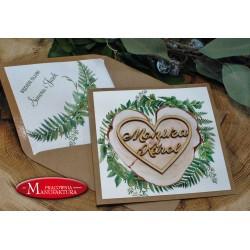 Zaproszenia ślubne z wyciętymi laserowo imionami w drewnie